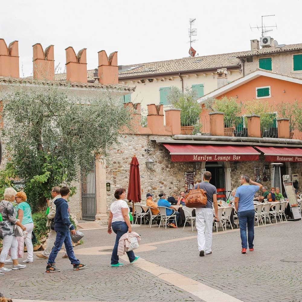 Tours - Bardolino (photo 2)