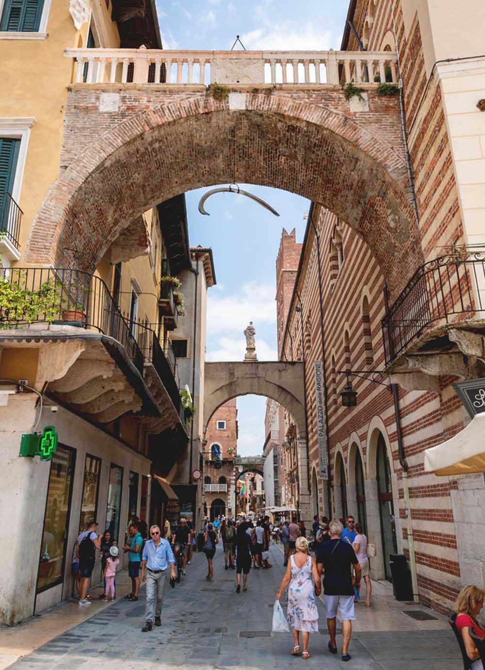 Tours - Medieval Verona - Captains Quarter (photo 2)