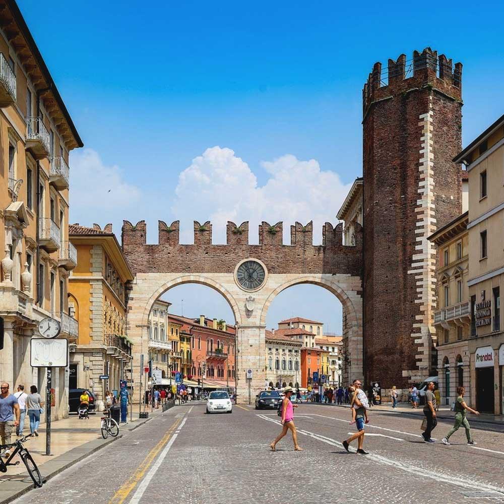 Tours - Medieval Verona - Captains Quarter (photo 3)