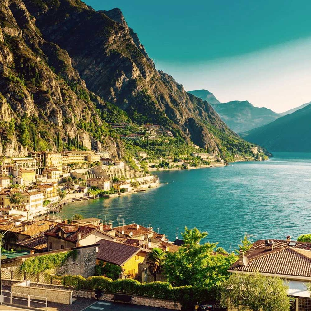 Tours - Mini cruise on Lake Garda with a tasting on board of a yacht (photo 1)