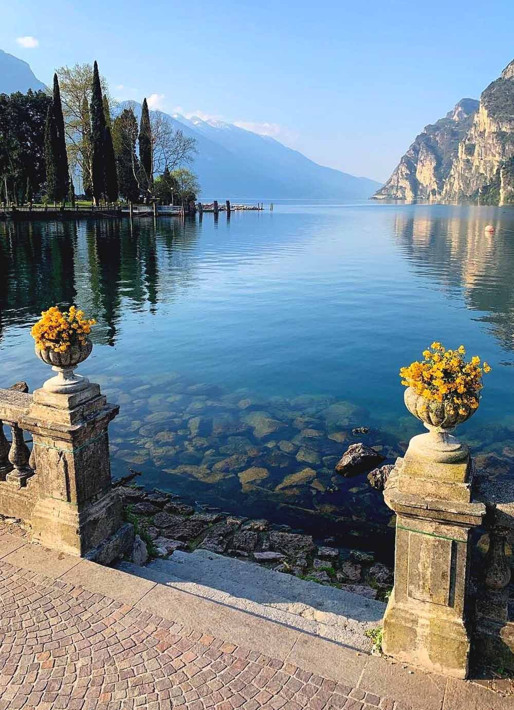 Tours - Mini cruise on Lake Garda with a tasting on board of a yacht (photo 5)