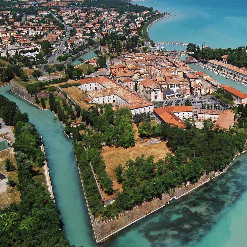 Tours - Peschiera (photo 1)