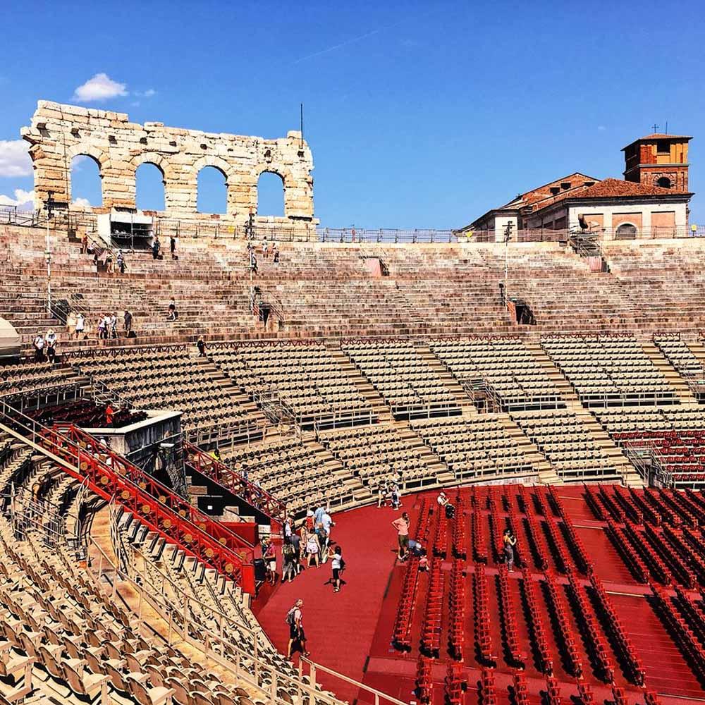 Tours - Roman Verona (photo 2)