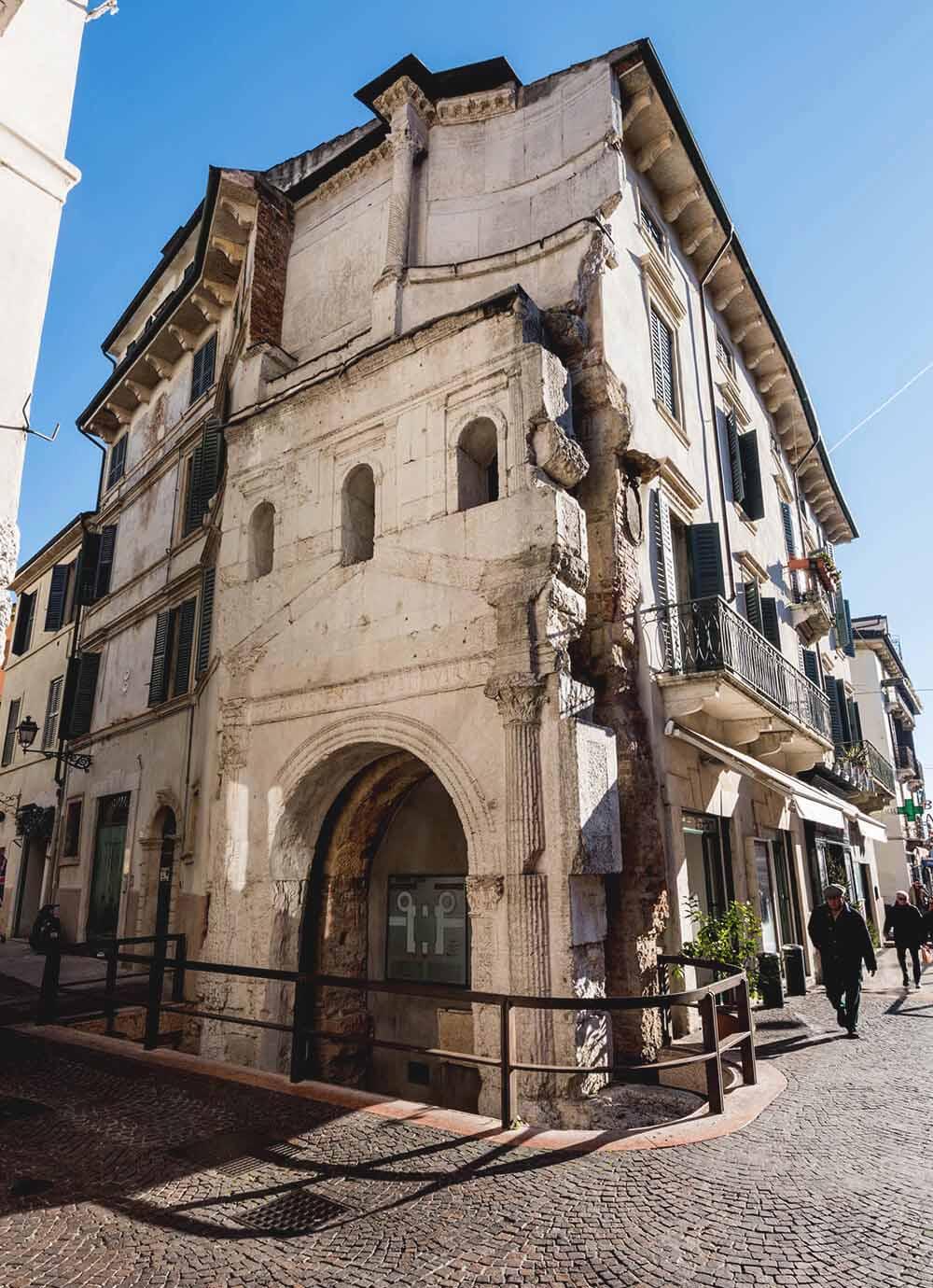 Tours - Roman Verona (photo 5)