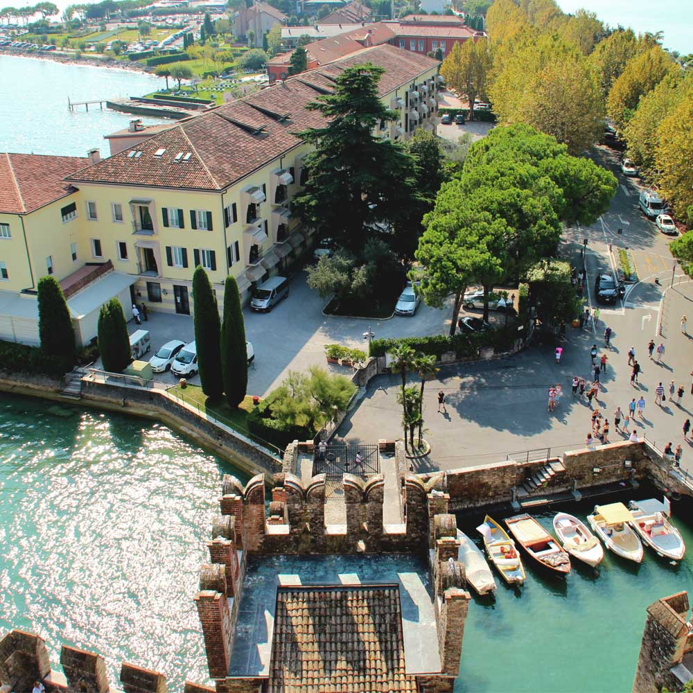 Tours - Sirmione - The pearl of the lake (photo 1)