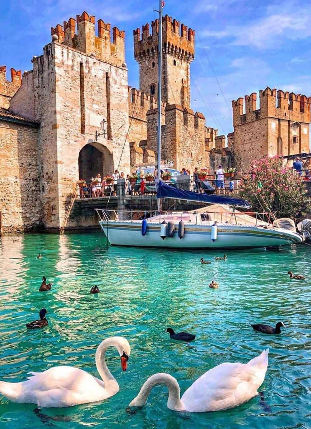 Tours - Sirmione - The pearl of the lake (photo 2)