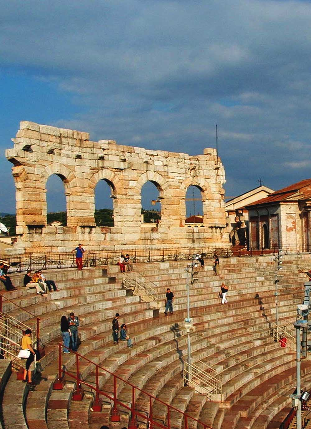 Tours - The Roman Theater and the Archaeological Museum (photo 7)